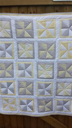"Grey/Yellow Windmill Quilt 38"" x 46"" Pattern"