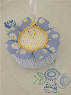 Daisy Patchwork Pin Cushion Kit