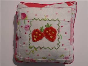 Strawberry Log Cabin Pin Cushion Kit