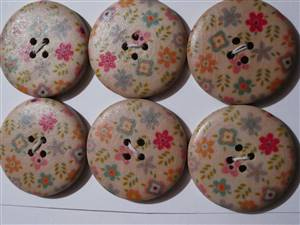 Floral Wooden Button x 30mm. set 6