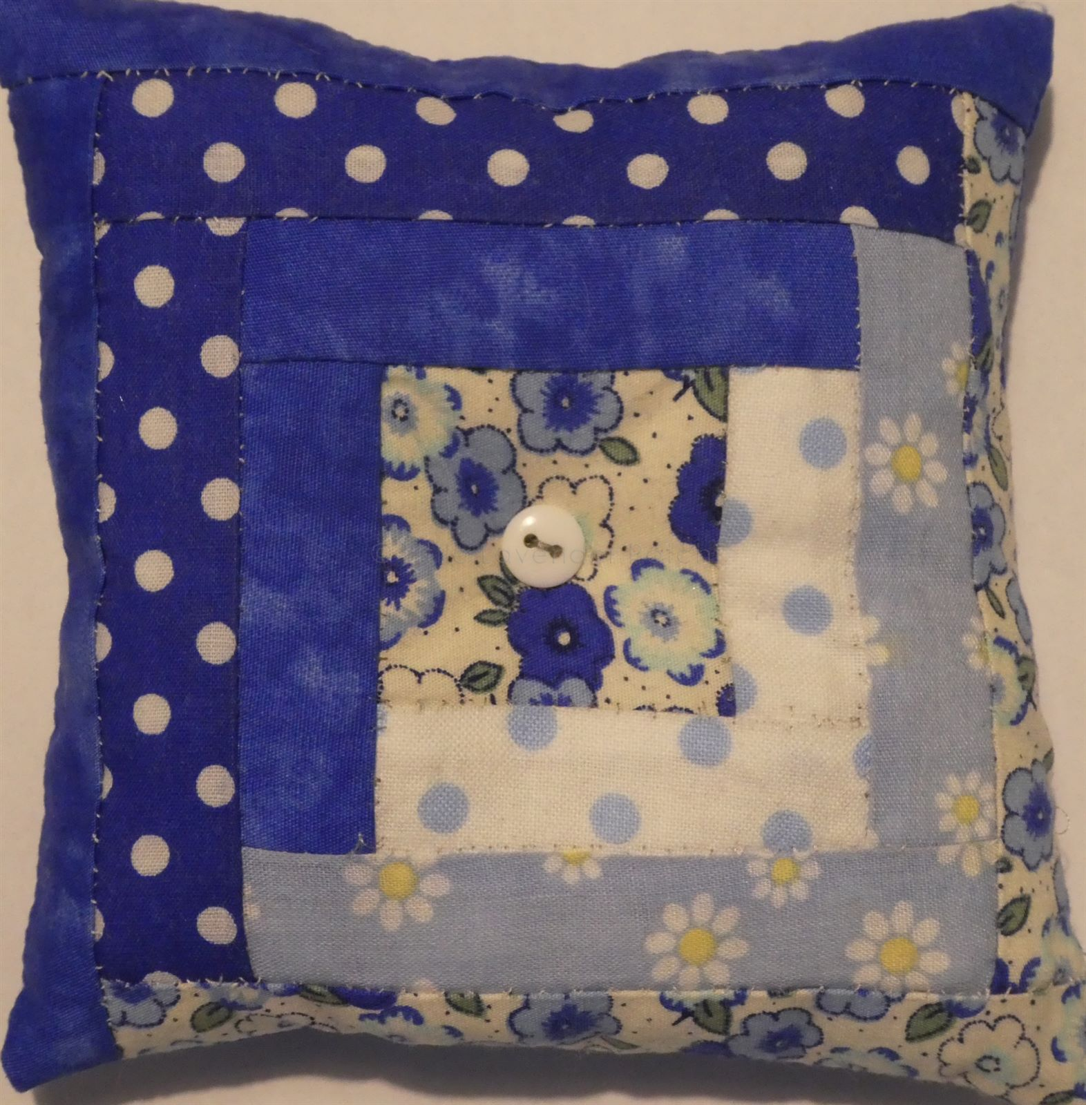 Log Cabin Pin Cushion 4 6 Kit The Little Lavender Patch