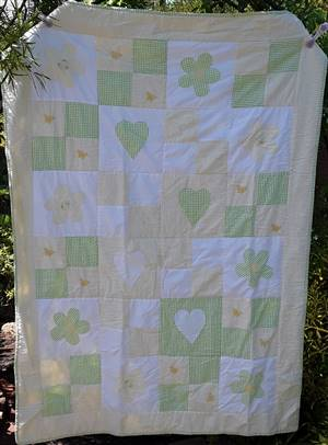 "Gree/yellow Hearts & Flowers Quilt. 39 x 53"" ex sample"