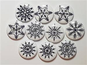 Christmas Wooden Black Patterned Buttons 18mm white + Red