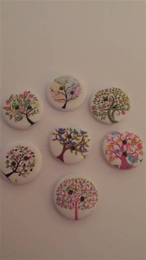 Mixed Coloured Tree 20mm Wooden Button